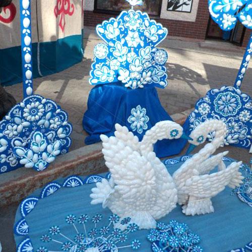 Новогодние поделки из пластиковых вилок и ложек