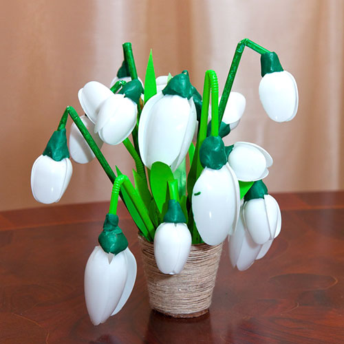 Поделка цветок из ложек 166