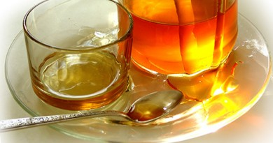 мед помогает волосу